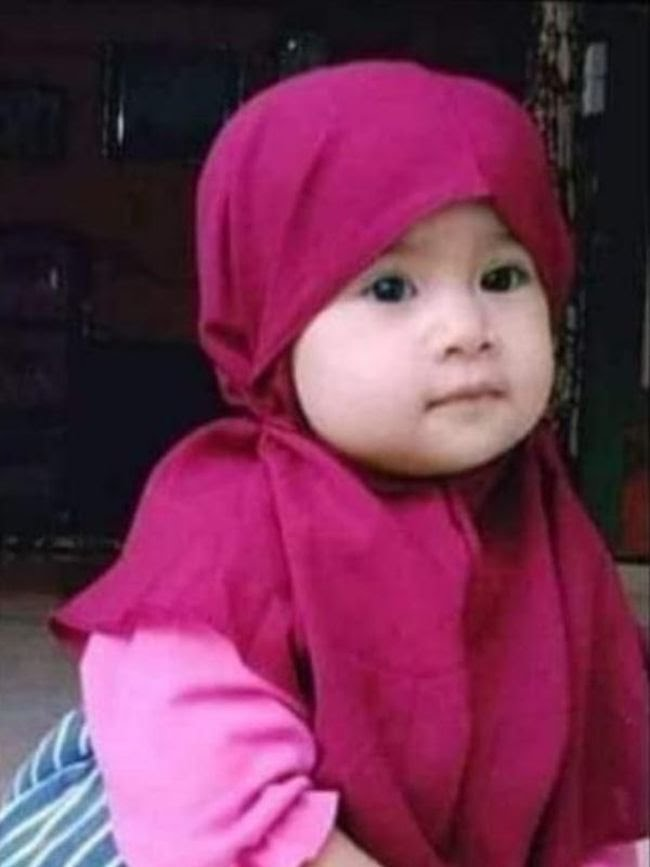 Anak perempuan berusia 2 tahun (batita) di Kampar, Riau, bernama Sakiya Islami hilang secara misterius. Keluarga membuat sayembara berhadiah Rp 20 juta bagi pihak yang menemukan (dok Istimewa)